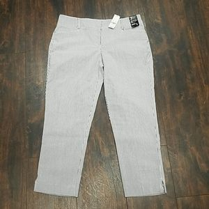 New York & Co signature fit seersucker crop pant 4